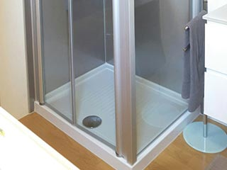 Veneta vasche: materiali finiture e accessori per box doccia