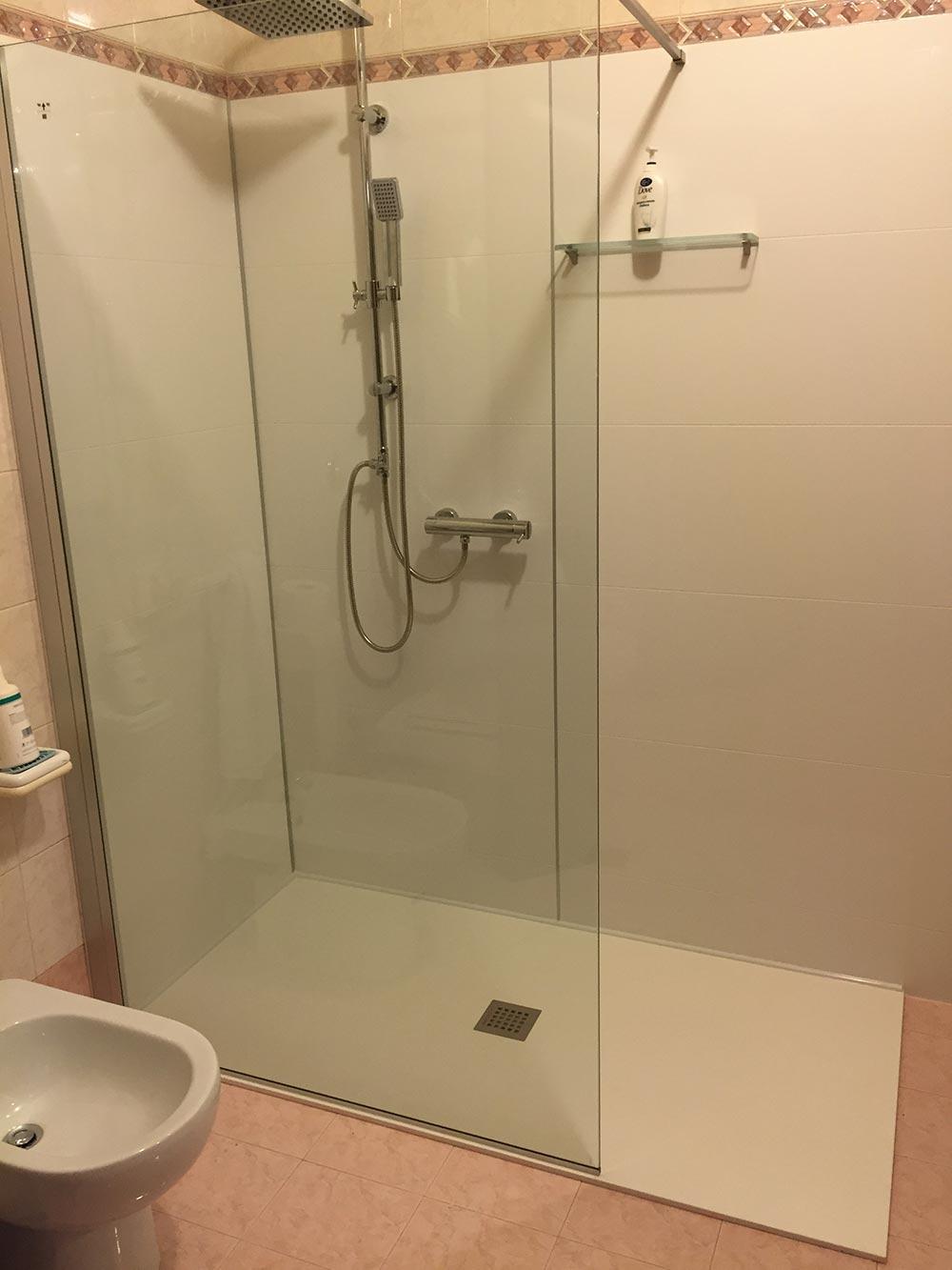 Trasformare vasca da bagno in doccia sarabagno - Doccia a filo pavimento ...