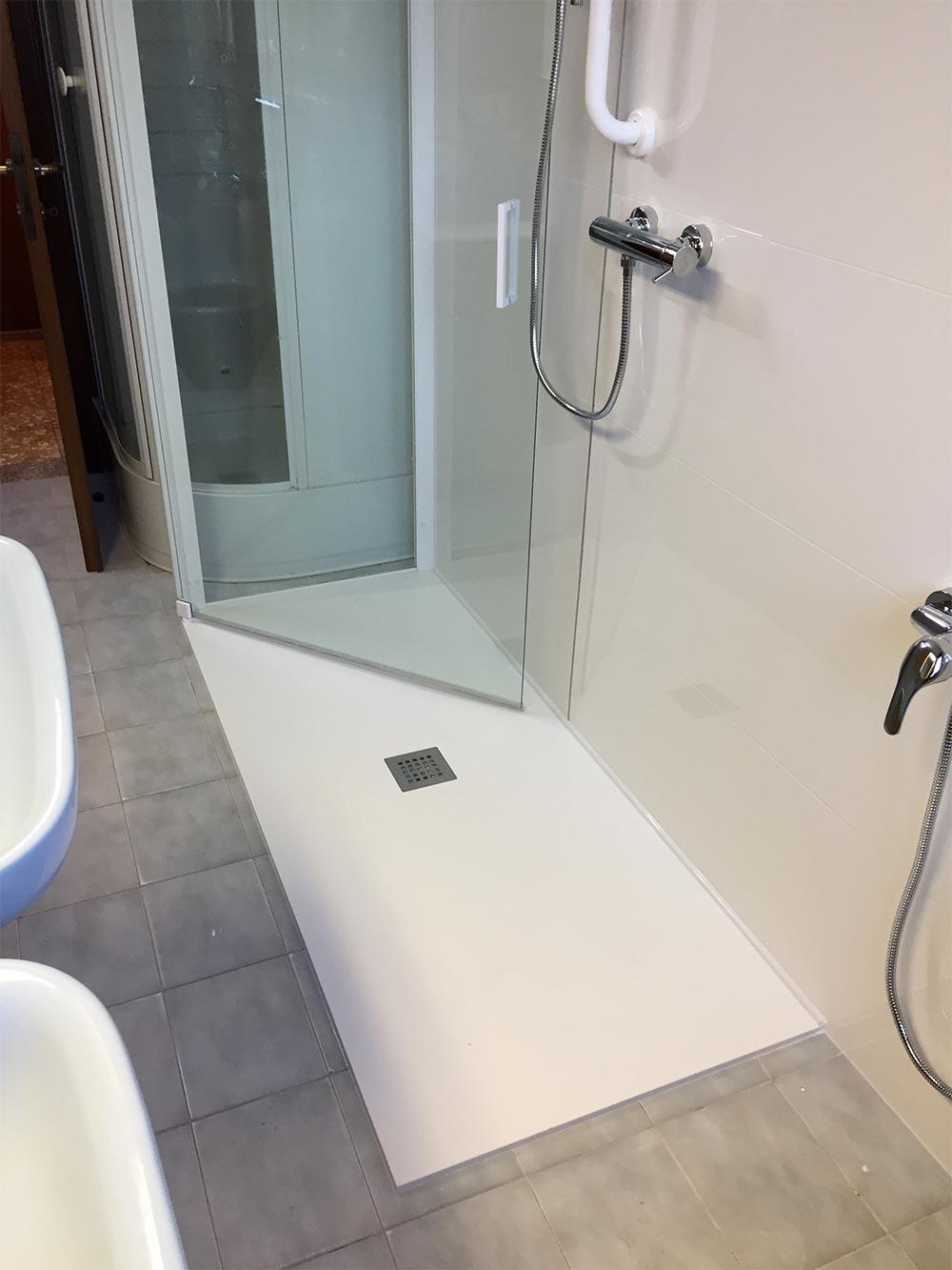 Veneta vasche forniture ed installazione vasche da bagno - Bagno disabili con doccia ...